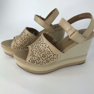 Clarks Collection Soft Cushion size 7 Wedge Sandal